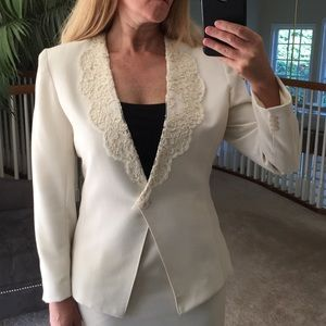 2/$20 2 PC Tailored Classic Suit w/ Lace Collar